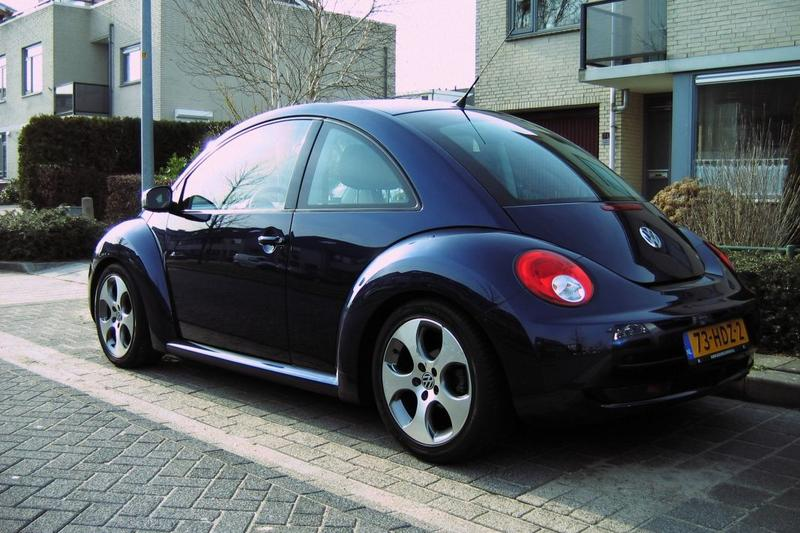 Volkswagen New Beetle Coupé 1.6 Trendline (2007)