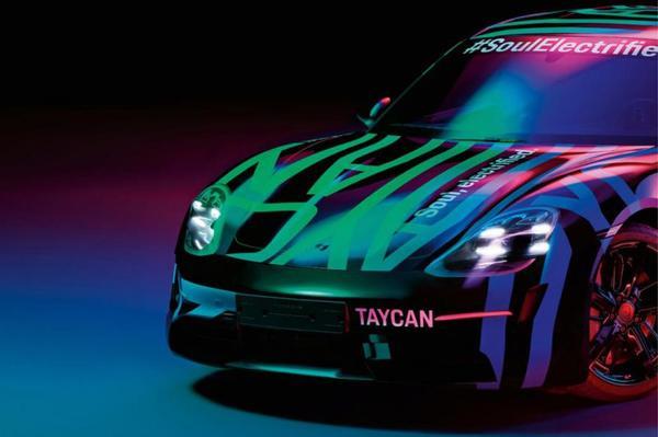Porsche Taycan in beeld