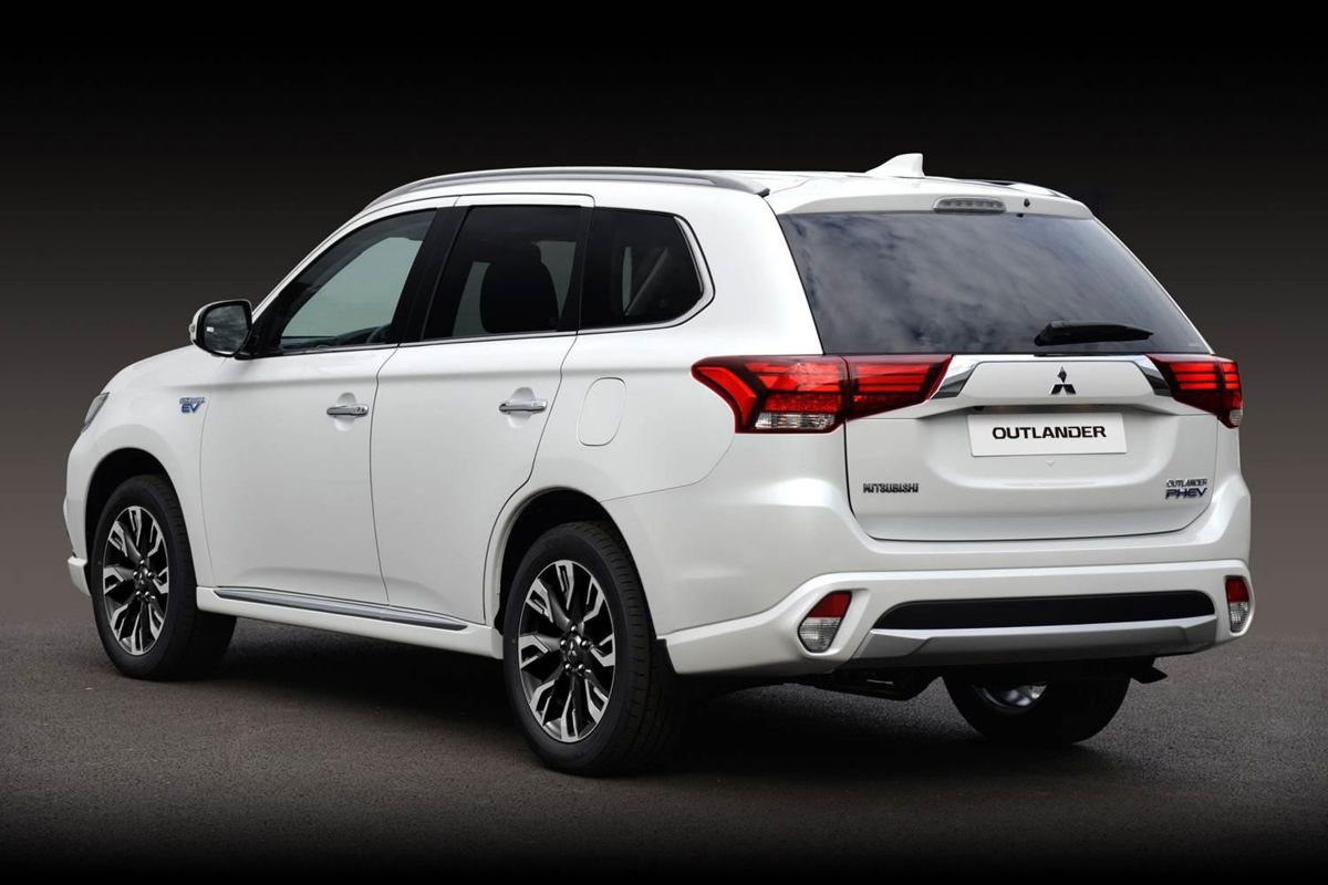 mitsubishi outlander phev officieel in nederland. Black Bedroom Furniture Sets. Home Design Ideas