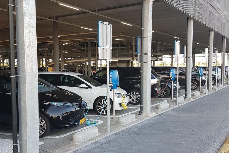 Verkoop elektrische auto's trekt verder aan