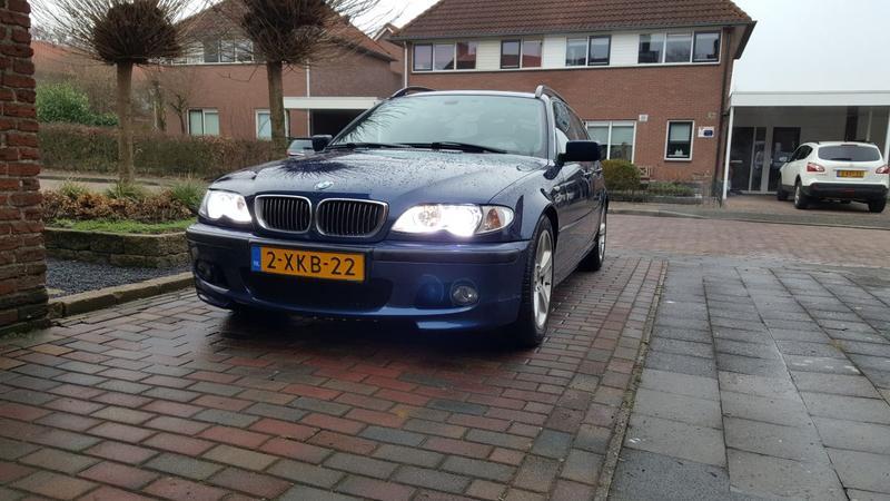 BMW 330xi touring Executive (2003)