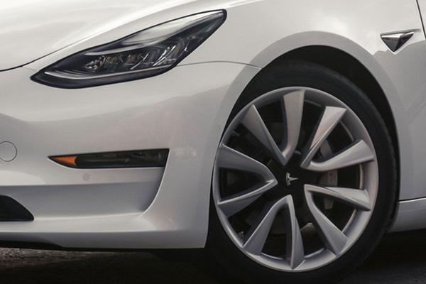 Tesla Model 3-remmen weer goedgekeurd