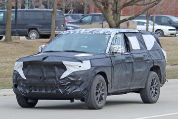 Nieuwe Jeep Grand Cherokee loopt tegen de lamp