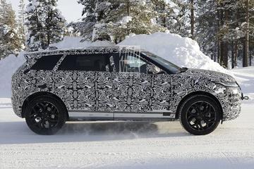 Range Rover Evoque met verlengde wielbasis betrapt