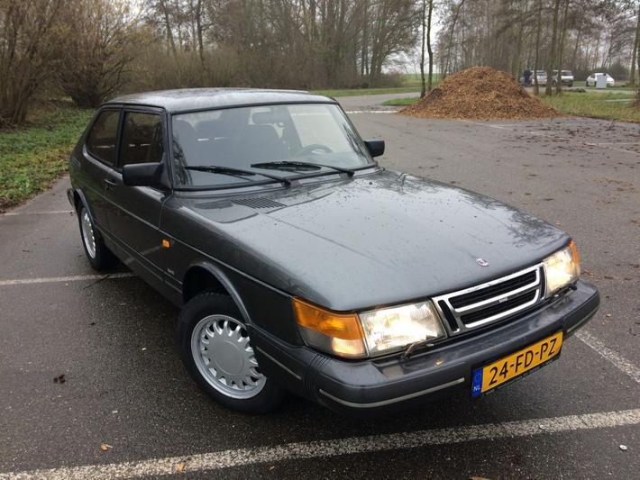 Saab 900i (1989)