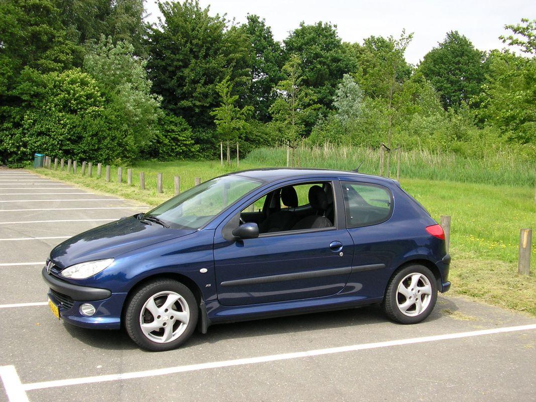 Peugeot 206 Xs Premium 1 6-16v  2002  Review