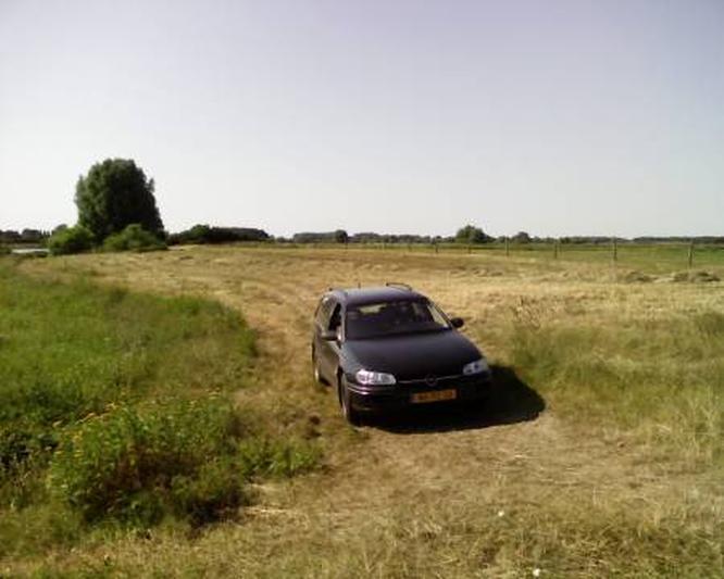 Opel Omega Stationwagon 2.0i GL (1996)