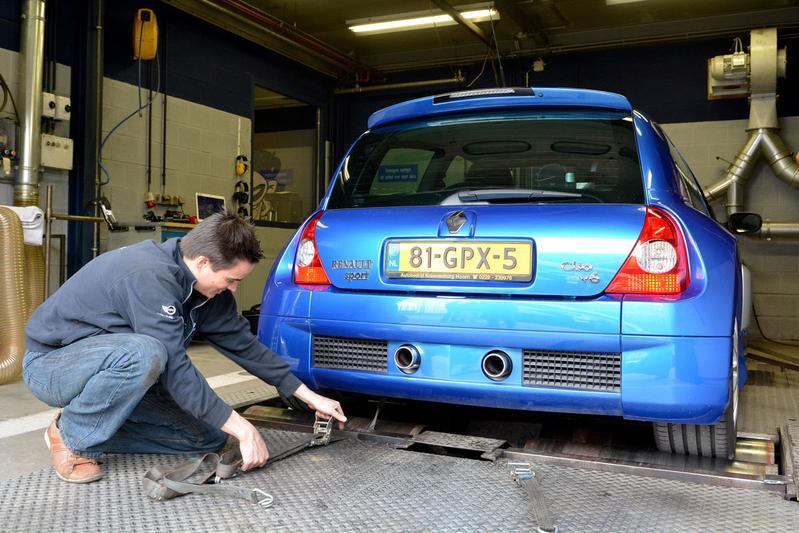 Op de rollenbank - Renault Clio V6