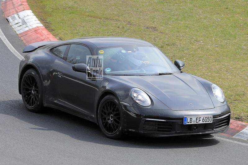 Porsche 911 'Safari' spyshots
