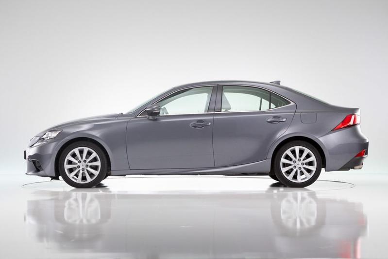 Lexus IS (2015)