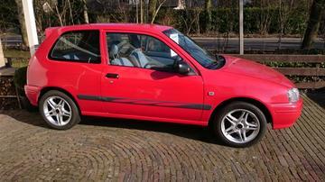 Toyota Starlet 1.3 GLi (1998)