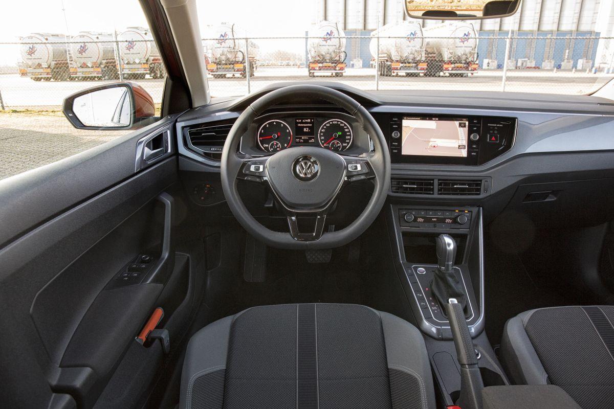 volkswagen polo 1 0 tsi highline dsg 7 95 pk 2018 autotest. Black Bedroom Furniture Sets. Home Design Ideas