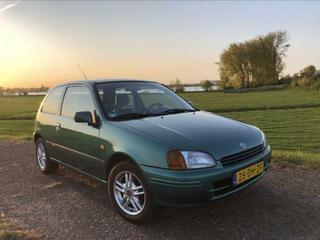 Toyota Starlet 1.3i (1999)