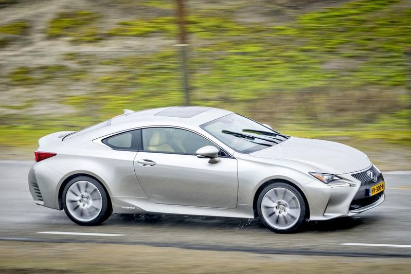 Lexus RC 300h Luxury Line (2016)
