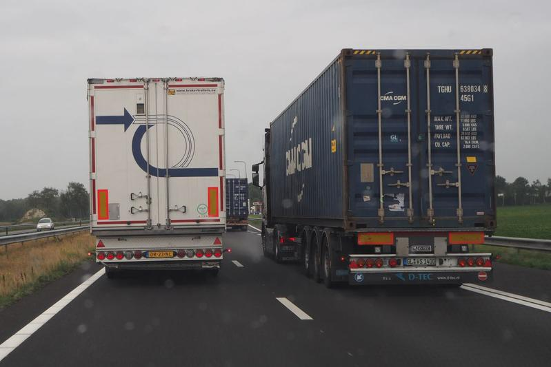 vrachtwagen inhalen vrachtverkeer hinder inhaalverbod