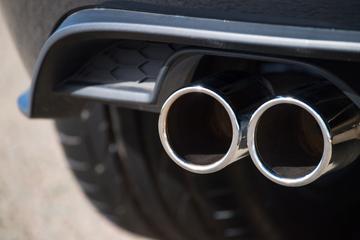 EU overweegt 'afkopen CO2-uitstoot' voor autofabrikanten