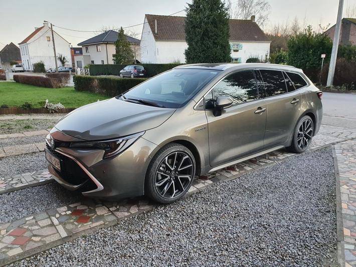 Toyota Corolla Touring Sports 2.0 Hybrid Premium (2020)