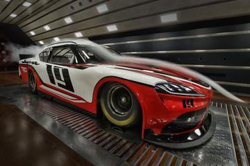 Toyota Supra doet mee aan Nascar-races