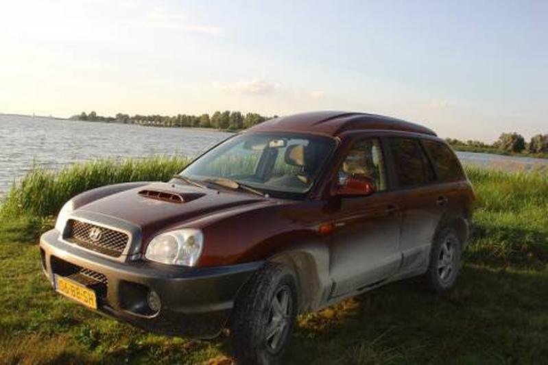 Hyundai Santa Fe 2.0 CRDi Country 4WD (2002)