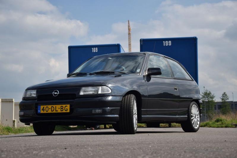 Opel Astra 2.0 GSi 16V (1992)