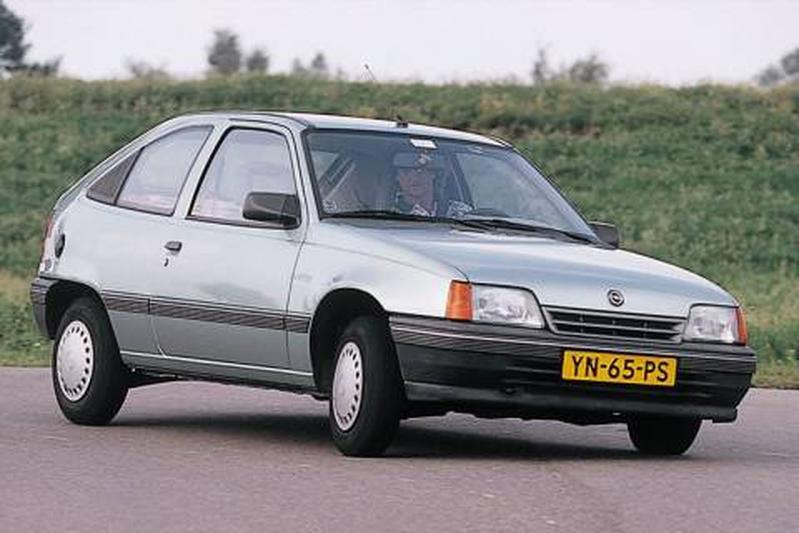 Opel Kadett 1.6 D L (1988)
