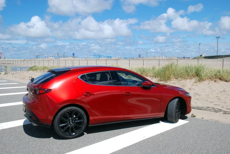 Mazda 3 SkyActiv-X 2.0 180 Luxury (2020)