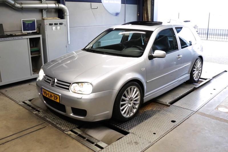 Volkswagen Golf R32 (2003) - Op de Rollenbank