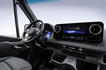 Mercedes-Benz toont dashboard Sprinter