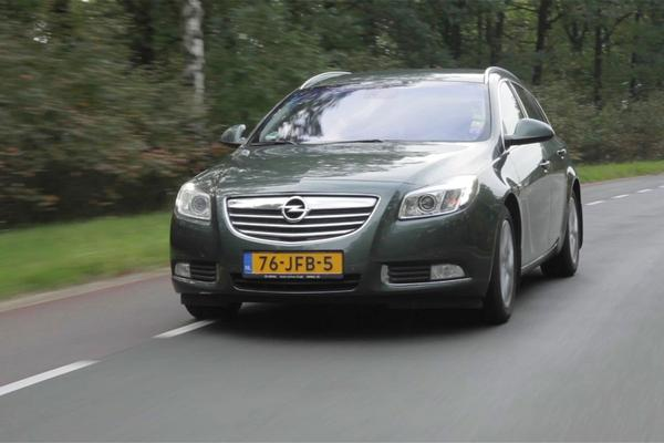 Video: Opel Insignia - 2009 - 722.345 KM - Klokje Rond
