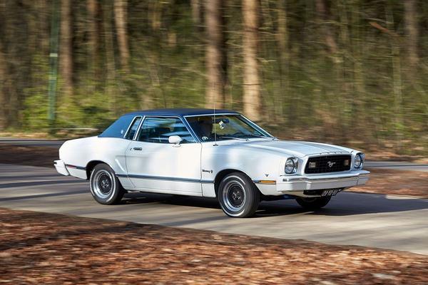 Ford Mustang II Ghia V8 (1976) - Klokje Rond Klassiek