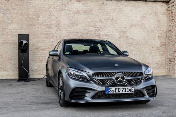 Mercedes-Benz belicht nieuwe plug-ins
