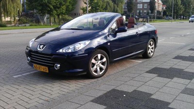 Peugeot 307 CC 2.0-16V (2007)