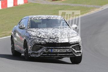 Lamborghini Urus over de 'Ring gejaagd