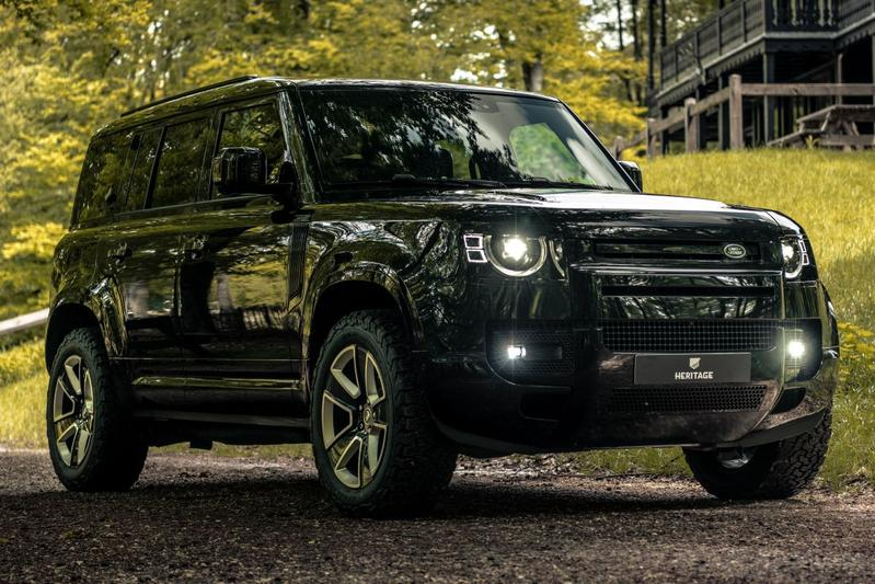 Land Rover Defender Heritage Customs