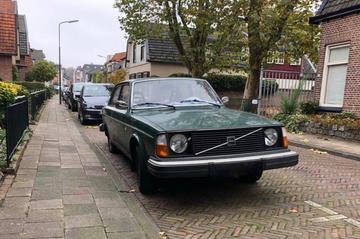 In het Wild: Volvo 242 (1975)