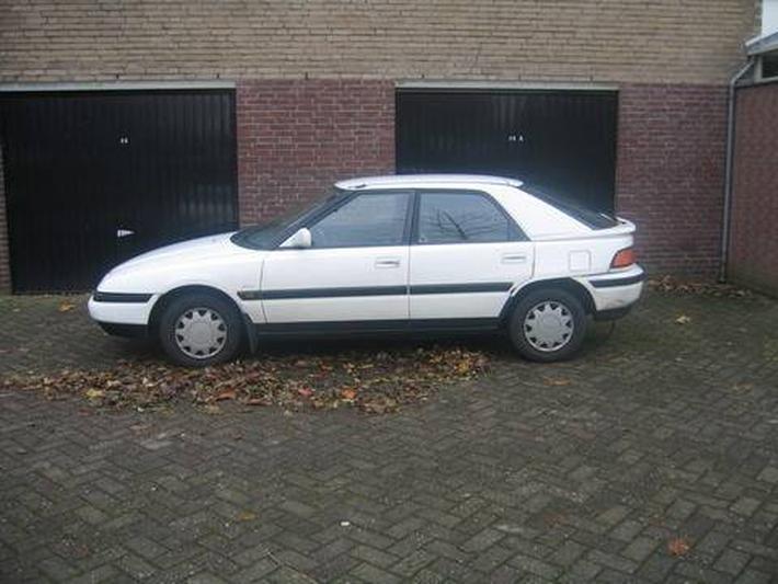 Mazda 323 F 1.6i GLX (1992)