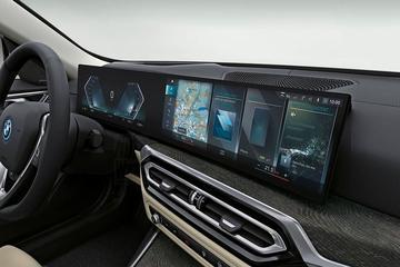Interieur elektrische BMW i4 in beeld