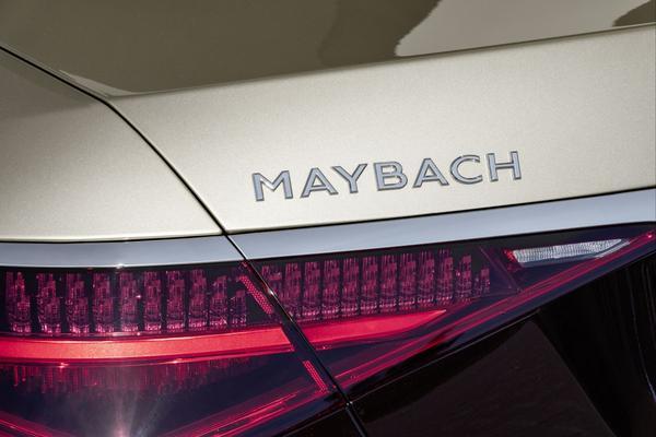 'Mercedes wil Maybach-verkopen verdubbelen'