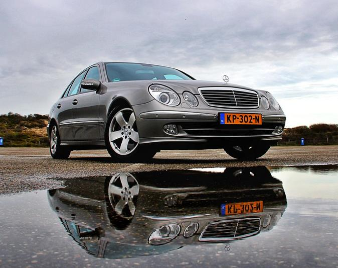 Mercedes-Benz E 500 Avantgarde (2004)