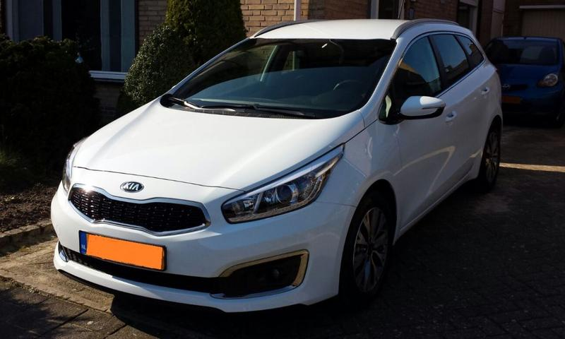 Kia Ceed SW 1.6 CRDi Business DynamicLine (2016)