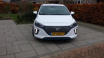 Hyundai Ioniq Hybrid First Edition (2016)
