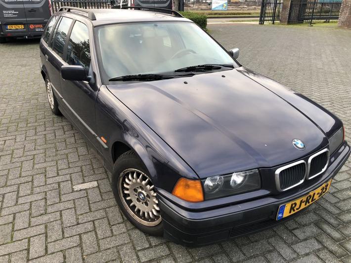 BMW 318i touring (1997)