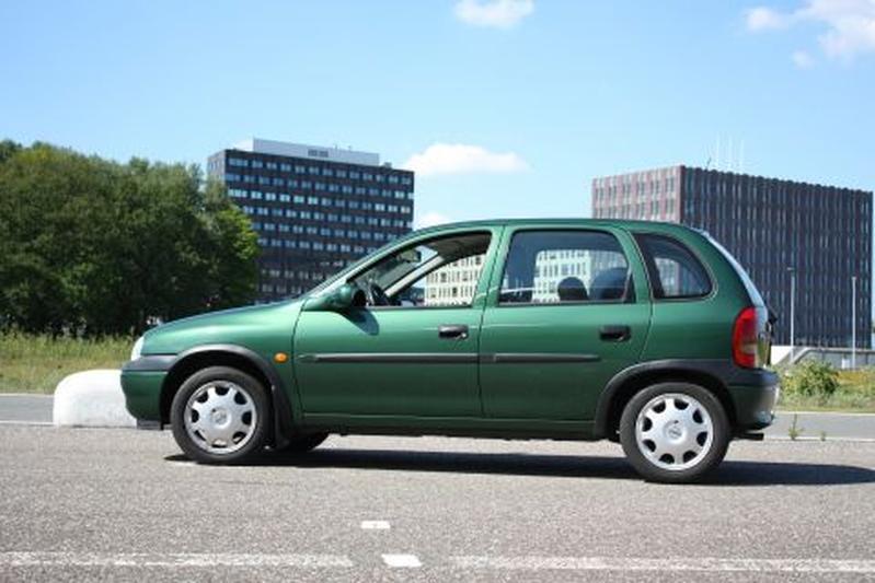 Opel Corsa 1.2i-16V Onyx (2000)