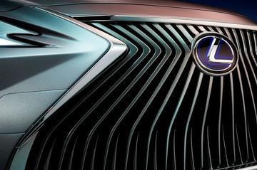 Lexus warmt op voor volledig nieuw model