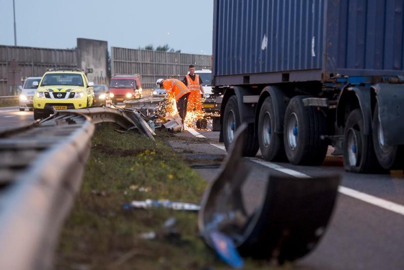 AW 30 vangrails ongeluk