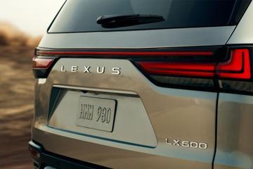 Lexus toont nieuwe LX