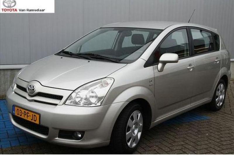 Toyota Corolla Verso 1.8 16v VVT-i Linea Sol (2004)