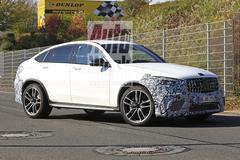 Dubbelspot: gefacelifte Mercedes GLC en GLC Coupé