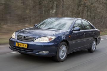 Toyota Camry 2.4 Linea Sol