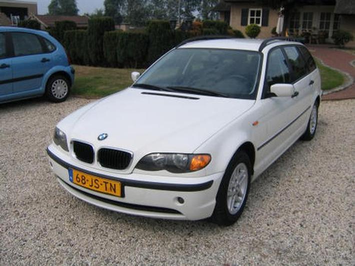 BMW 318d touring (2002)
